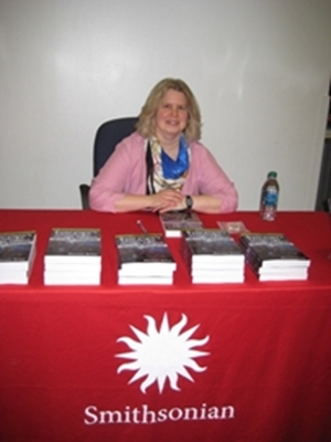 Noreen at Booksigning
